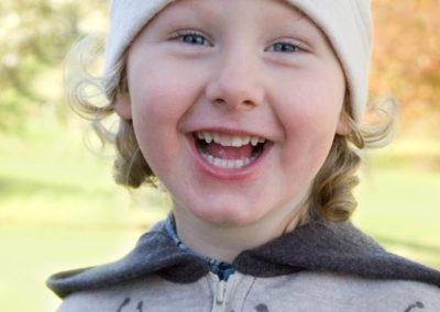 Barnkläder-i-merinoull-tröja-mössa